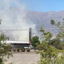 Bomberos reporta incendio al interior del Estadio Monumental: se trató de una quema de pastizales