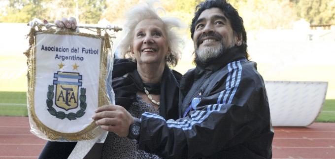Maradona: pies y mente de barro
