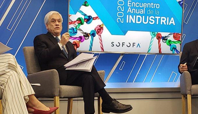 """Piñera de nuevo dispara contra el Congreso: """"Un grupo de parlamentarios está pretendiendo escribir una Constitución paralela"""""""