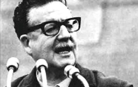 """Historiador Jorge Magasich en Cita de libros: """"Hay una reconexión entre las movilizaciones de hoy con los objetivos históricos de la izquierda"""""""