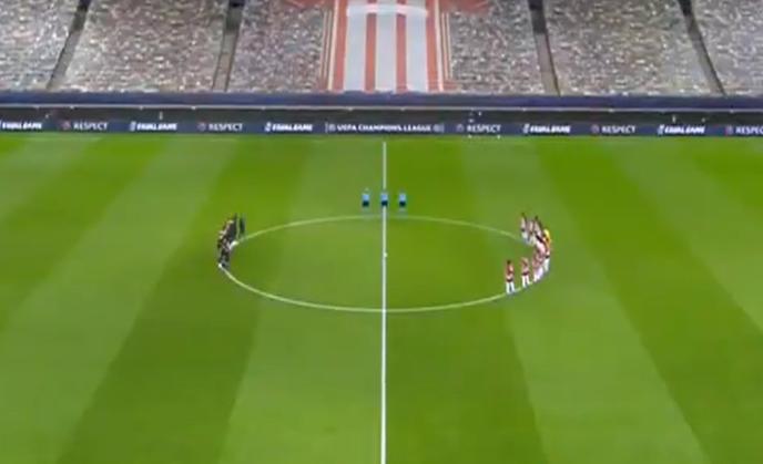 El primer homenaje: realizan minuto de silencio en el partido de Champions League entre el Olympiacos y el Manchester City por muerte de Maradona