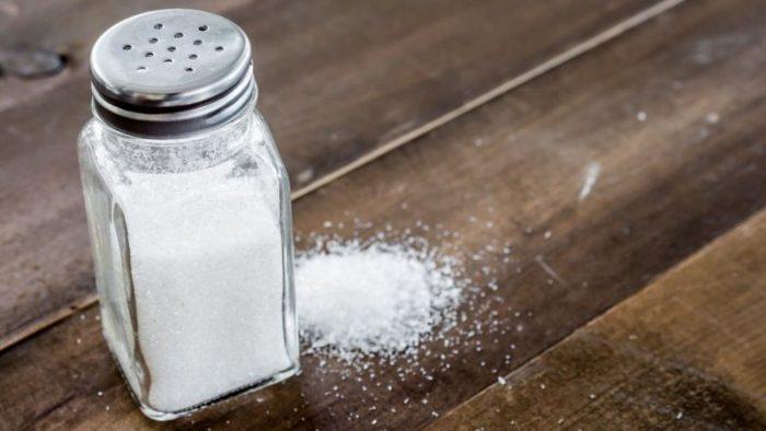 6 mitos sobre el consumo de sal (y cuál es la cantidad recomendada al día)