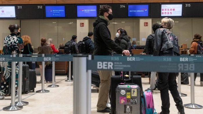Nueva cepa del coronavirus: la cancelación de vuelos y trenes con Reino Unido