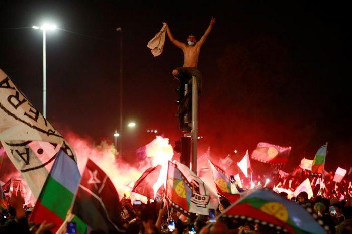 """Del """"oasis"""" en llamas al COVID-19: Latinoamérica frente a otra década perdida que aleja el desarrollo"""