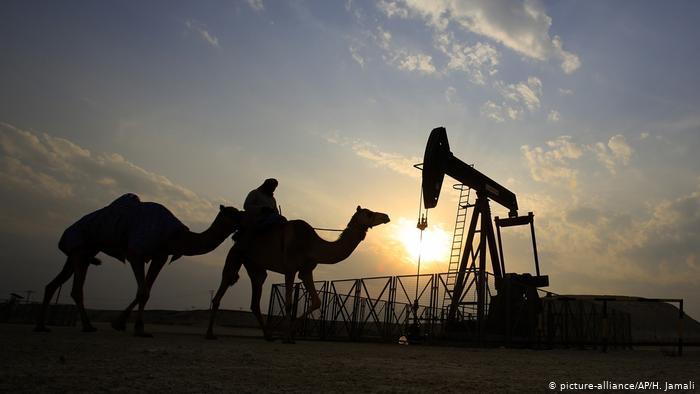 El petróleo es aún necesario, pero la era solar ya comenzó
