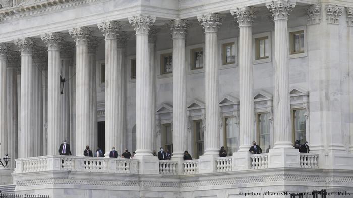 Congreso de EE.UU. acuerda otro multimillonario paquete de estímulo