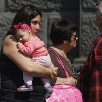 Proyecto de ley busca extender postnatal de emergencia, mientras que 30 mil madres y padres ya perdieron el beneficio