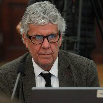 """Gobierno al debe: AFP critican """"tardanza"""" en ayudas públicas y Eyzaguirre emplaza a Briones a entregar """"inmediatamente"""" el IFE"""