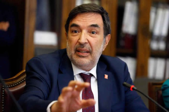 Patricio Santamaría, presidente del Servel, anuncia que en futuras elecciones habrá