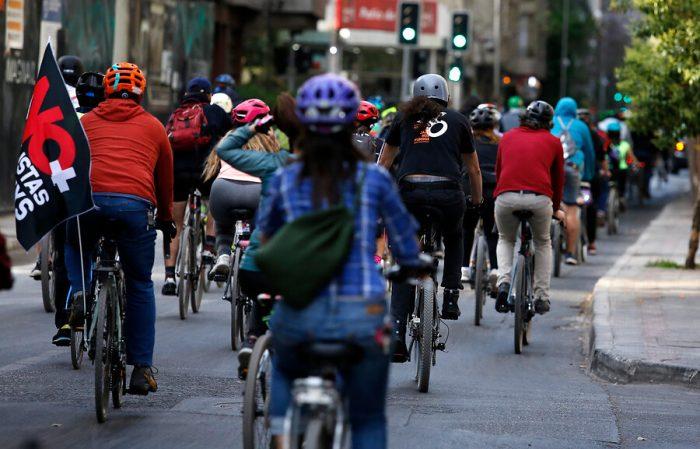 Chile queda al debe en espacios para que ciclistas puedan movilizarse de manera segura