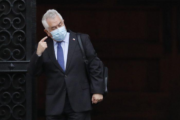 """""""Un comentario inaudito e inadecuado"""": ministro Paris responde a Juan Pablo Swett quien pidió """"quitarle las llaves de la economía"""""""