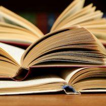 Libro sobre grupo secreto de chilenos formados en Bulgaria gana premio literario Escrituras de la Memoria