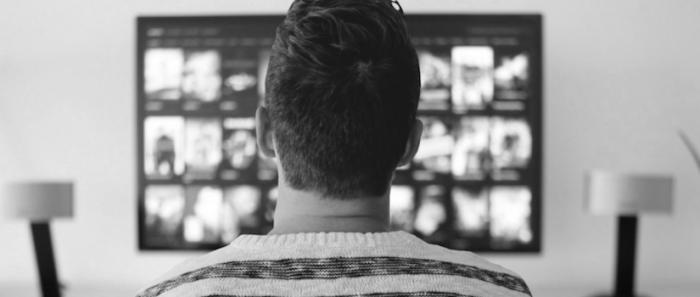 Ver la tele ya no es lo que era: algoritmos, atracones y mileniales