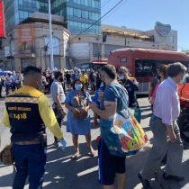 """Una mujer fallecida y cuatro personas heridas deja balacera en plena Plaza de Maipú: Carabineros no descarta """"ajuste de cuentas"""""""