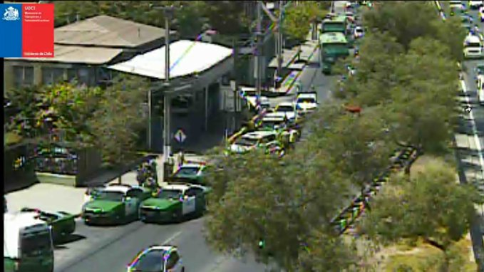 Carabineros encontró vehículo involucrado en la balacera de Plaza de Maipú: se detuvo al conductor