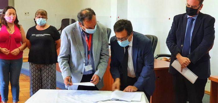 Plaga de moscas y malos olores afecta a vecinos de San Bernardo y alcalde presentó recurso de protección