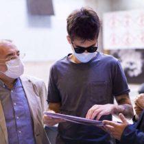 Donan material educativo táctil para el proceso formativo de Gustavo Gatica y otras personas ciegas