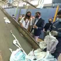 Inauguran planta que producirá bolsas de basura hechas 100% con materiales reciclados