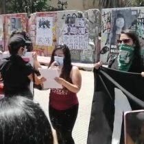 Manifestantes se reunieron frente al GAM a un año del ataque de Carabineros a Nicole Kramm que le costó la pérdida de un ojo