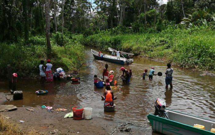 Entre el abandono estatal y la presión de los grupos armados: la indignante situación humanitaria en la costa de Colombia