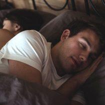 Estudio revela que melatonina podría ayudar en la recuperación de covid-19