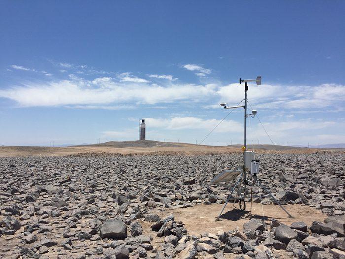 Investigación analiza impacto del polvo del Desierto de Atacama en calidad del aire y producción de energía solar