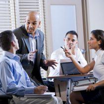 Los líderes exitosos animan a los trabajadores a hablar