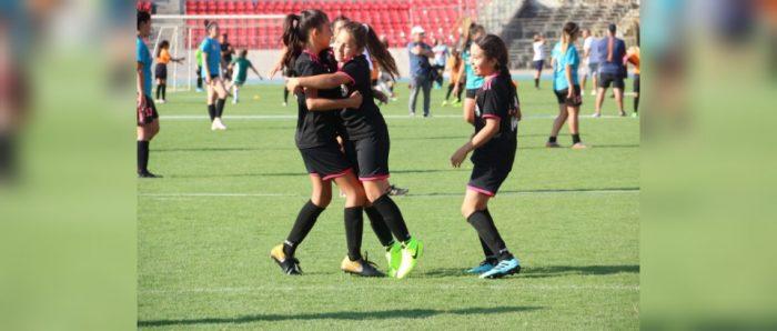 Potenciando el fútbol femenino en pandemia: equipo y sororidad
