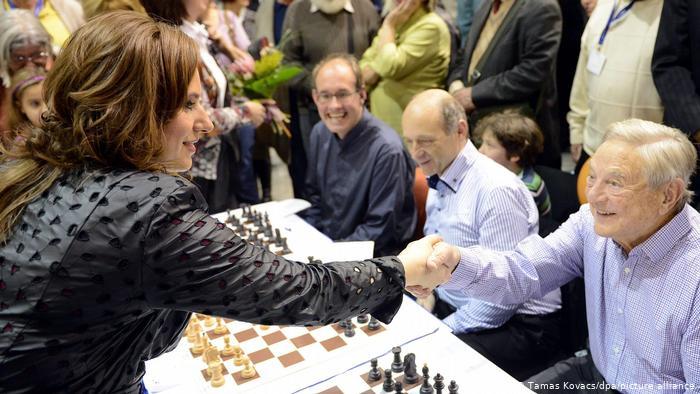 Maestra del gambito de dama: la húngara Judit Polgár