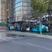 Incendio de bus del Transantiago mantuvo el tránsito cortado en Av. Vitacura