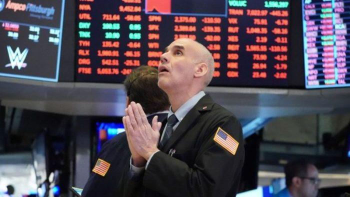 Por qué las bolsas del mundo llegaron a niveles récord en 2020 mientras la economía global se hundía