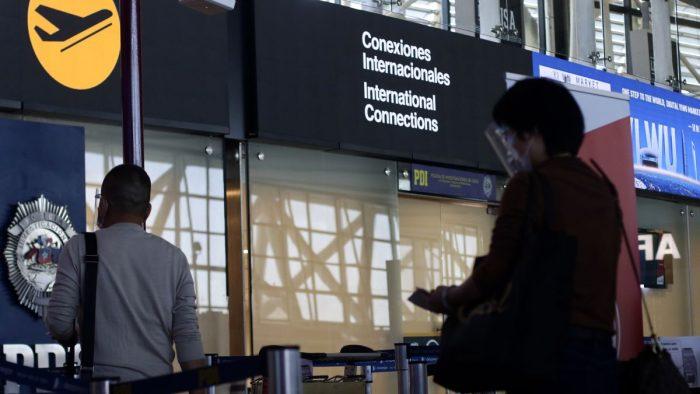 Cerca de 850 viajeros extranjeros han debido retornar a su país por incumplir con requisitos sanitarios