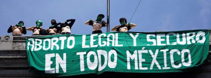 Presidente de México propone que mujeres decidan en referéndum sobre aborto en el país