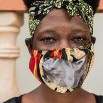 Coronavirus en Uganda: lectura de labios con mascarillas sustentables