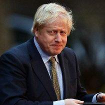 Primer ministro de Reino Unido dice que variante británica del coronavirus parece ser más mortífera