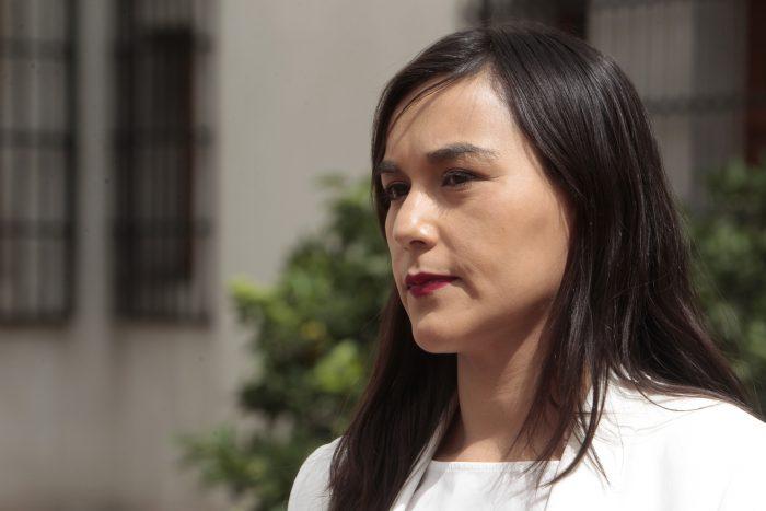 """Izkia Siches advierte: """"El escenario más desalentador es llegar a los 9 mil casos diarios"""" de Covid-19"""
