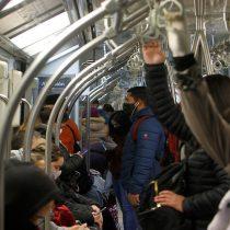 Adelanto del toque de queda y el riesgo de concentrar personas en el transporte público