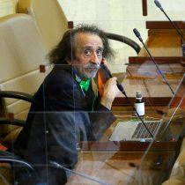 Comisión de Ética sanciona al diputado Florcita Alarcón por cartel ofensivo en plena sesión