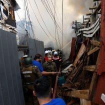 Valparaíso: incendio en cerro Toro deja al menos tres viviendas afectadas