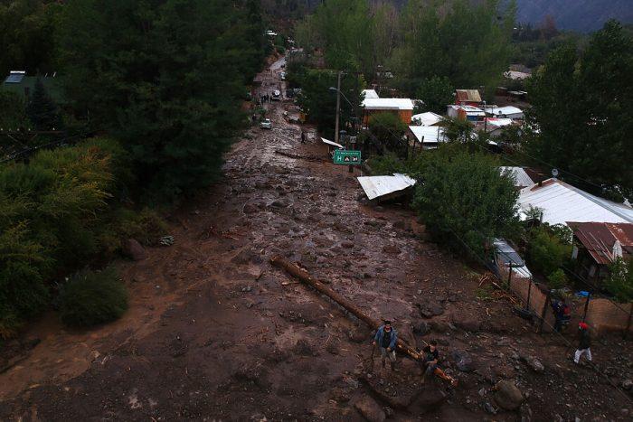 Desplazamiento de tierra deja al menos 20 damnificados en Malloa y Onemi suma nuevas alertas ante aluviones por temporal en zona centro sur