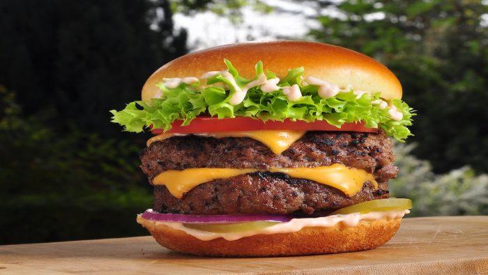Alimentos orgánicos, opciones keto, y alternativas veganas que se suman a la tendencia de comida saludable