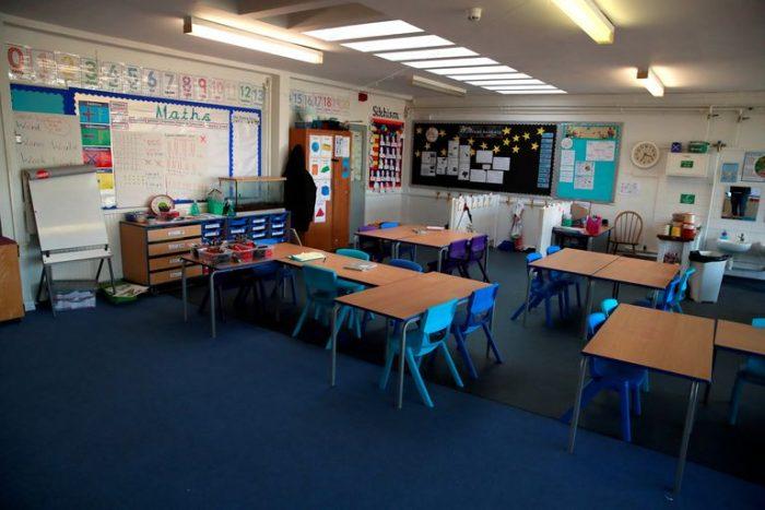 Reino Unido cerrará todas las escuelas primarias de Londres ante aumento de casos de coronavirus