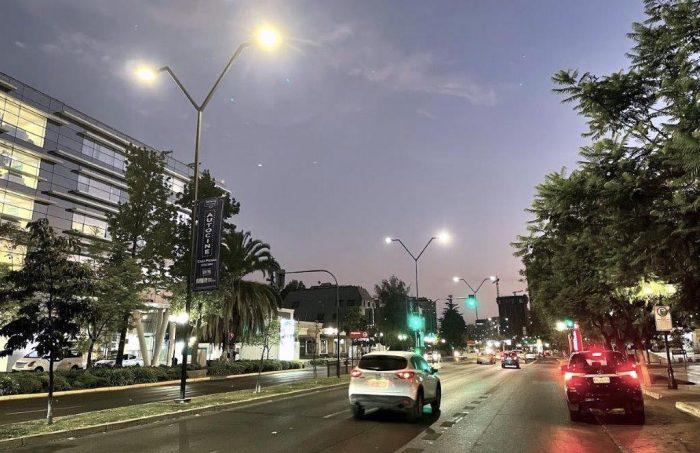 Finaliza cambio de luminarias viales de Av. Manquehue a tecnología LED