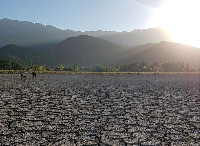 Balance Hídrico Nacional: disponibilidad de agua podría bajar hasta 50% en zona centro-norte y 25% en el sur