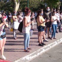Se le complica al PS la candidatura en San Bernardo: vecinos protestan por la exclusión del alcalde Leonel Cádiz