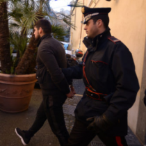 Operación antimafia en Italia deja 48 personas detenidas entre ellas un alcalde y un concejal