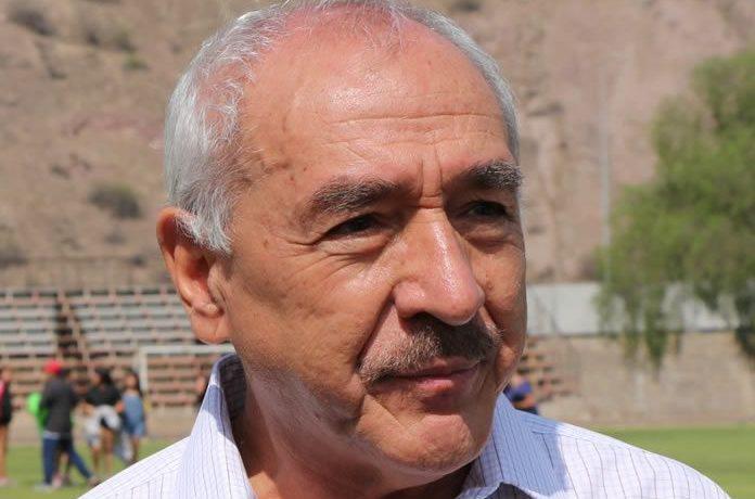 El suspendido alcalde por abandonar sus deberes que fue bendecido por el Tricel