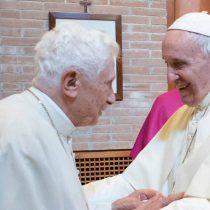 Papa Francisco y Benedicto XVI reciben primera dosis de vacuna contra el COVID-19