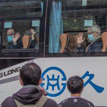 Equipo OMS en Wuhan visita hospital que trató primeros casos de COVID-19