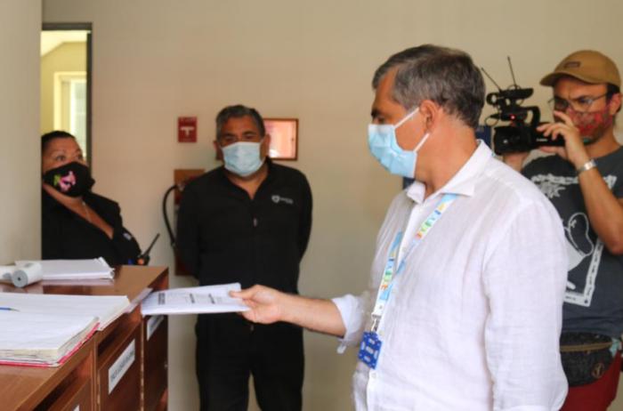 Alcalde de Iquique presenta recurso contra Piñera, el canciller Allamand y otras autoridades por